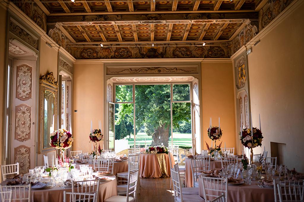 Flavia e Andrea Matrimonio Rosa, Oro e Marsala a Villa Subaglio